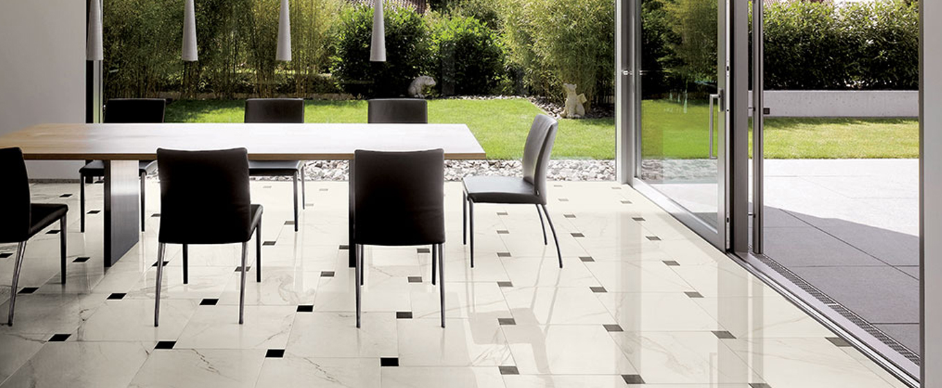 Calacatta mixed with black tiles